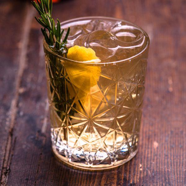 Whisky & ARTONIC Indian Tonic Water